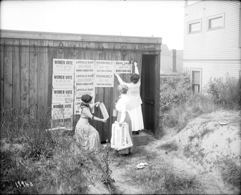 Suffragists Postering